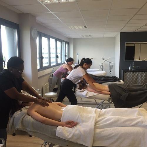 Formation soins du corps à l''école d''esthétique de Plérin
