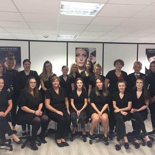 Photo de classe pour les élèves de l''école d''esthétique de Plérin : 2019-2020