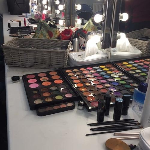 Soirée maquillage pour l''animation du Téléthon